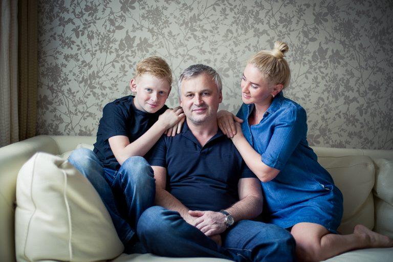 Famiglia a casa_FotoBarinova